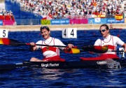 Birgit Fischer, Jahrgang 1962, geboren in Brandenburg (Havel), hat 1968 bei der BSG Stahl Brandenburg mit Kanusport begonnen; seit 2004 Ehrenbürgerin der Stadt Brandenburg an der Havel, Erfolge: international erfolgreichste Kanutin und deutsche Rekord-Olympiasiegerin: 8 Olympia-Goldmedaillen und 4 Olympia-Silbermedaillen, 27 Weltmeisterschaftssiege, 6 Silbermedaillen und 4 Bronzemedaillen bei Weltmeisterschaften, 2fache Europameisterin und 7 weitere Medaillen bei Europameisterschaften, bei DDR-Meisterschaften 12 Gold-, 3 Silber- und 4 Bronzemedaillen.