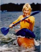 Petra Grabowsky-Borzym, Jahrgang 1952, geboren in Brandenburg (Havel), fing mit dem Paddeln bei der BSG Einheit Brandenburg an, Erfolge: eine olympische Silbermedaille, ein Weltmeistertitel und fünf weitere Weltmeistermedaillen, vielfache DDR-Meisterin